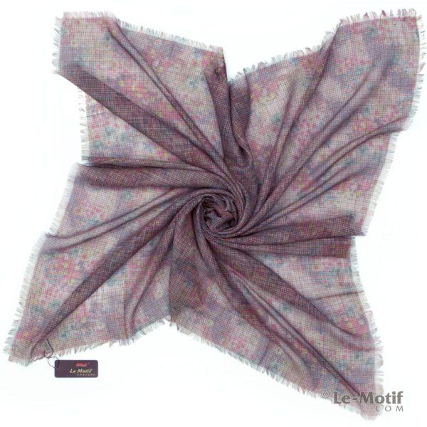 Платок Le Motif из льна с вискозой. Фото для каталога 2.