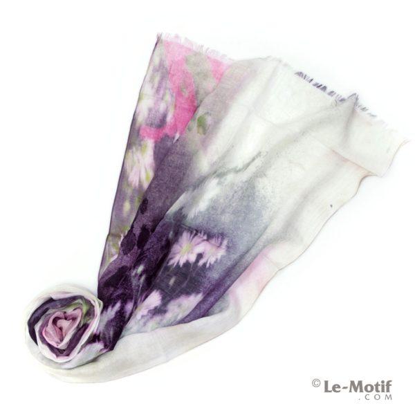 Палантин Le Motif из льна и модала. Фото для каталога
