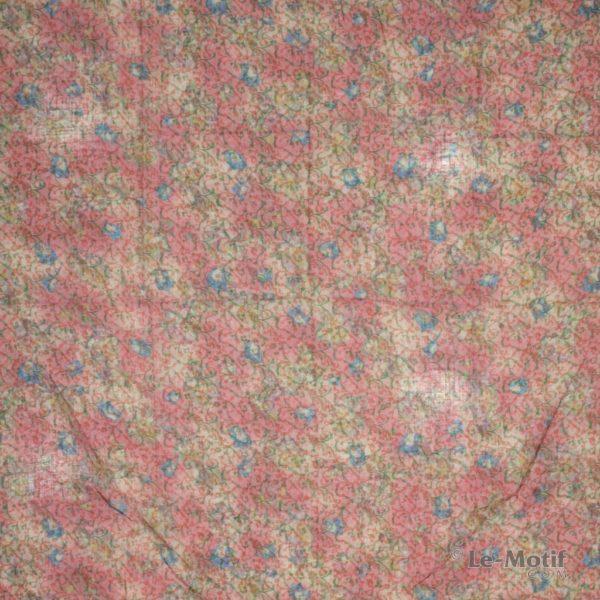 Платок Le Motif из льна с вискозой. Изображение узоров