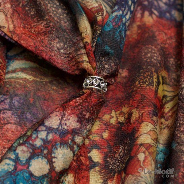 Шарф-долька Le Motif из хлопка с вискозой. Фото ткани 2.