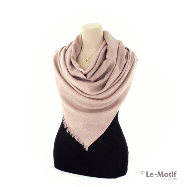 Палантин Le Motif из шелка и хлопка на шее, арт. LX01-03