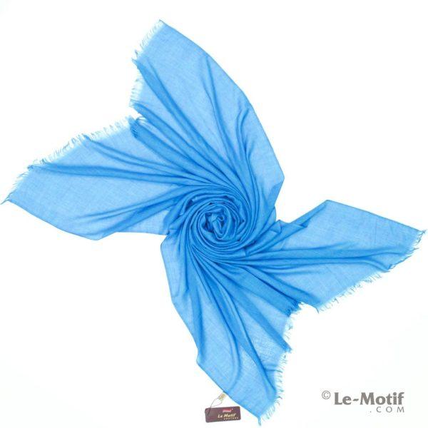 Палантин Le Motif из шелка и хлопка. Фото для каталога.