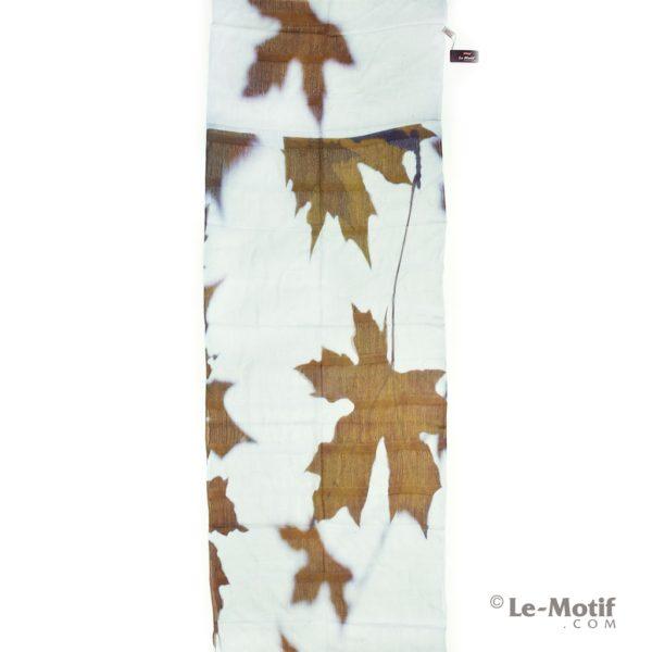 Палантин Le Motif Couture из шелка и хлопка кленовый листок