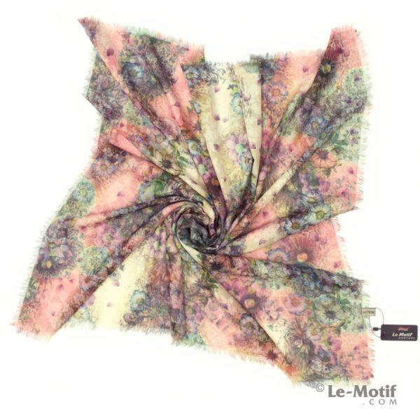 Платок Le Motif из хлопка с вискозой. Фото для каталога 2.