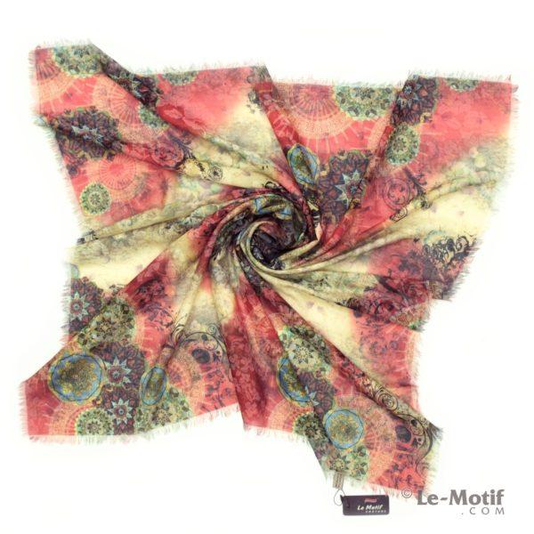 Платок Le Motif из хлопка с вискозой. Фото для каталога 1.