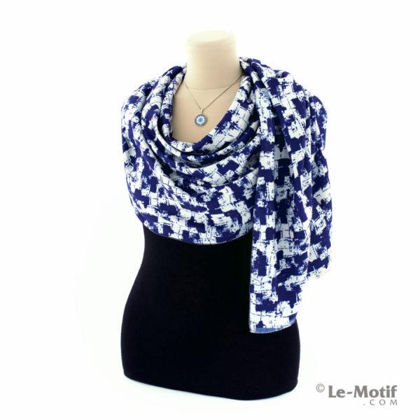 Шарф Le Motif Couture из шерсти и хлопка. Способ завязывания.