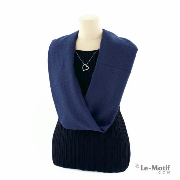 Шарф-снуд Le Motif Couture из хлопка на шее, арт. BT05-11