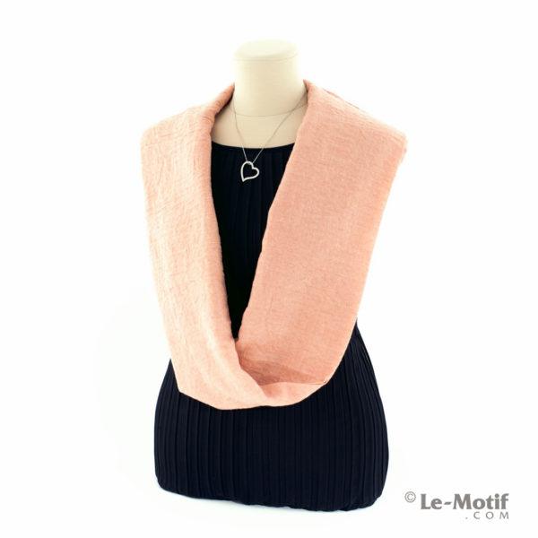 Шарф-снуд Le Motif Couture из хлопка на шее, арт. BT05-12