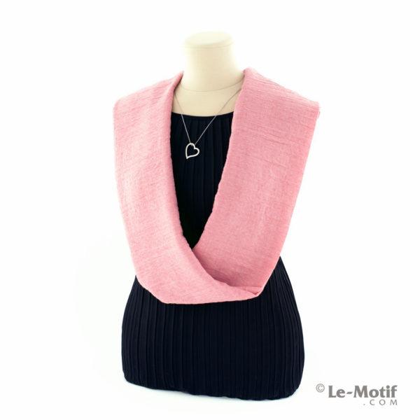 Шарф-снуд Le Motif Couture из хлопка на шее, арт. BT05-13