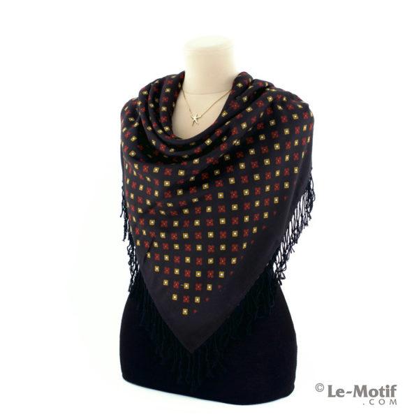 Платок Le Motif из шерсти и хлопка. Способ завязывания