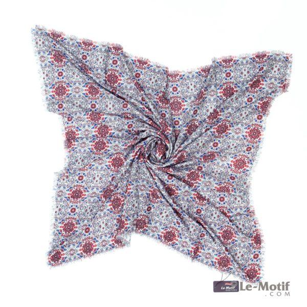 Платок Le Motif Couture из шёлка и хлопка. Фото для каталога
