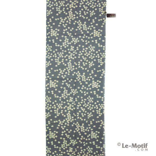 Палантин Le Motif из шерсти и хлопка. Цветочные узоры.