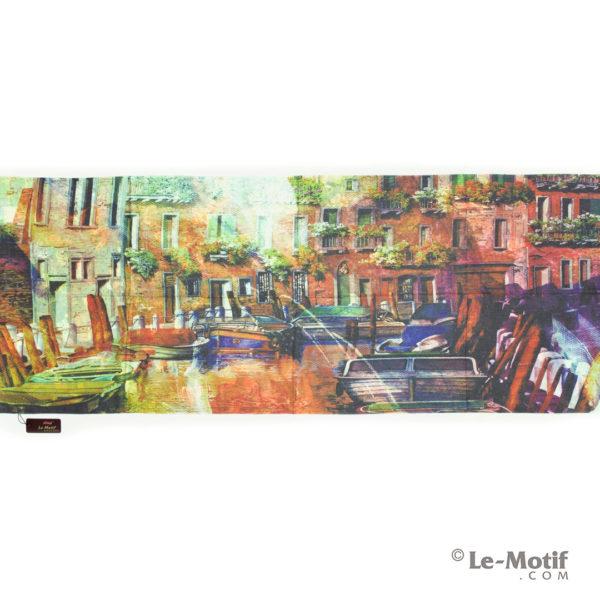 Палантин Le Motif из шерсти и хлопка. Картина - набережная.