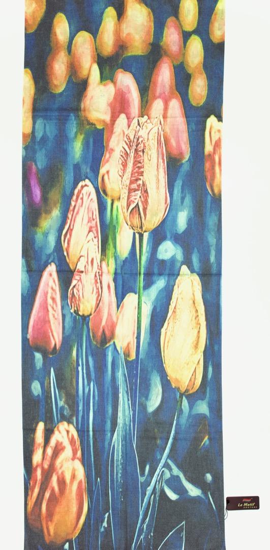 Палантин Le Motif из шерсти и хлопка. Изображение тюльпанов.