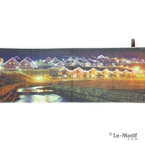 Палантин Le Motif из шерсти и хлопка. Картина-ночные огни.