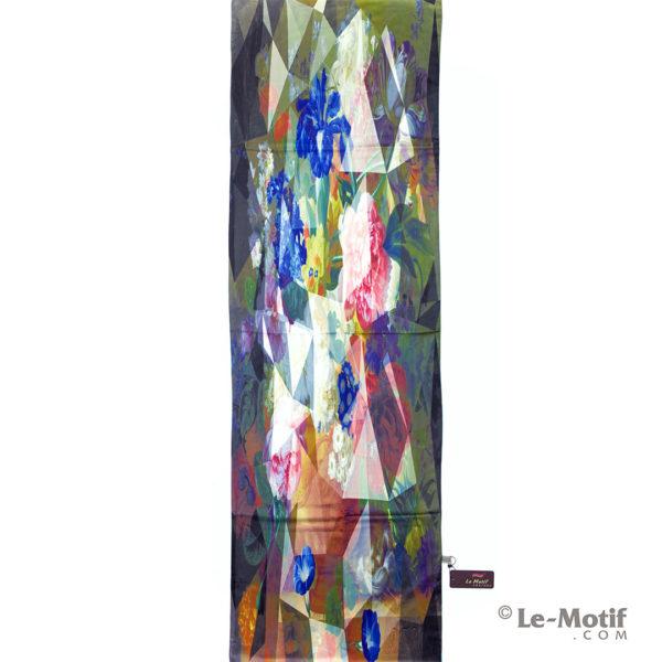 Палантин Le Motif из хлопка с вискозой. Изображение цветов.