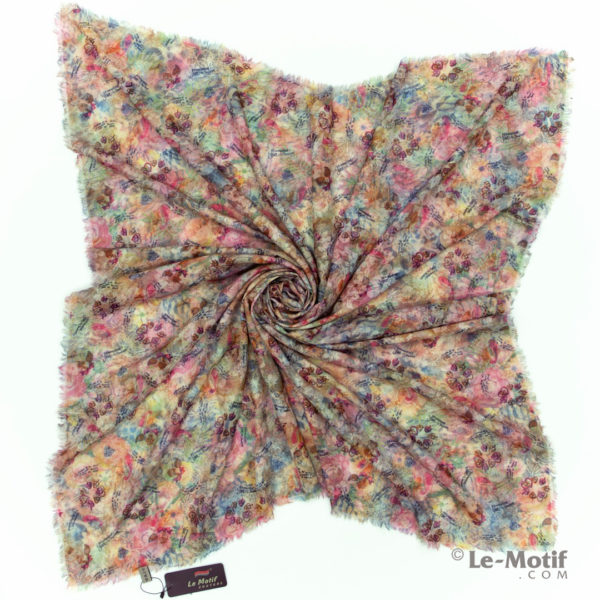 Платок Le Motif из хлопка с вискозой. Фото для каталога 2