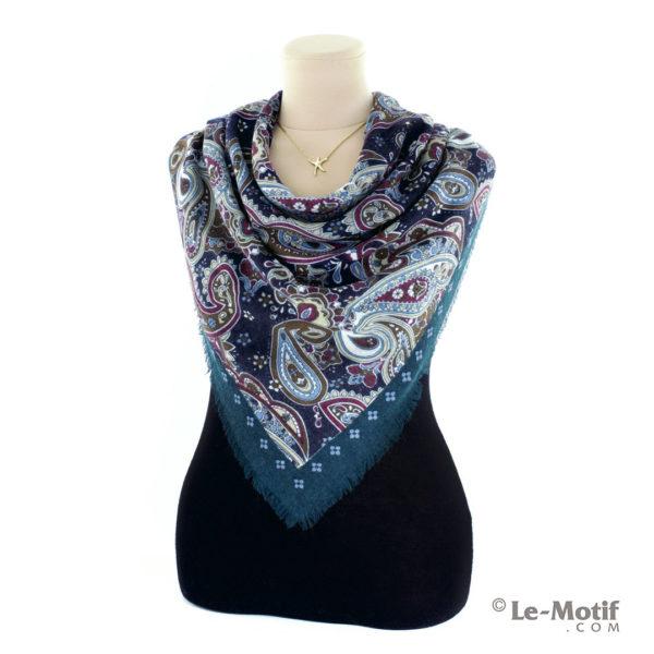 Платок Le Motif Couture из шерсти на шее, арт. Y01-3